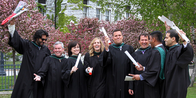 Congratulations to our our latest MBA graduates! You did it! #QGrad15 (photo: Lars Hagberg)
