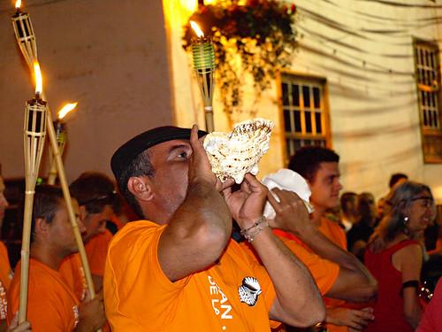 Conche blower, Noche de San Juan, San Juan de la Rambla, Tenerife