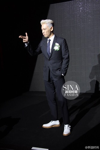 TOP - Dior Homme Fashion Show - 23jan2016 - sinafashion - 01