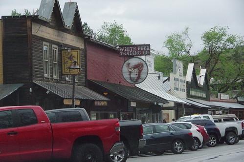 シアトルから人気の小旅行先ウィンスロップは、観光客を呼ぶためにウェスタン調の町にしたそうです。