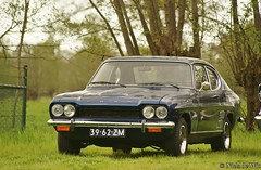 executive car(0.0), race car(1.0), automobile(1.0), automotive exterior(1.0), vehicle(1.0), performance car(1.0), compact car(1.0), ford capri(1.0), ford(1.0), antique car(1.0), sedan(1.0), land vehicle(1.0), muscle car(1.0), coupã©(1.0), sports car(1.0),