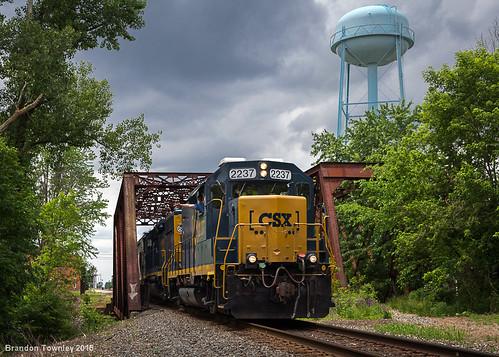 railroad bridge ohio watertower trains erie caledonia csx