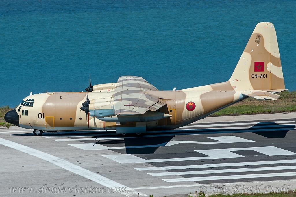 FRA: Photos d'avions de transport - Page 22 18312018542_e7d71c358e_o