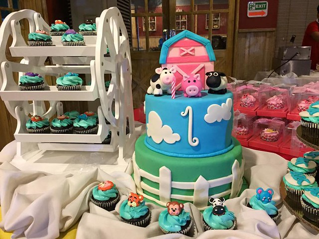 Cake by Rache Savellano-Semera of Sinfully Sweet by Rache