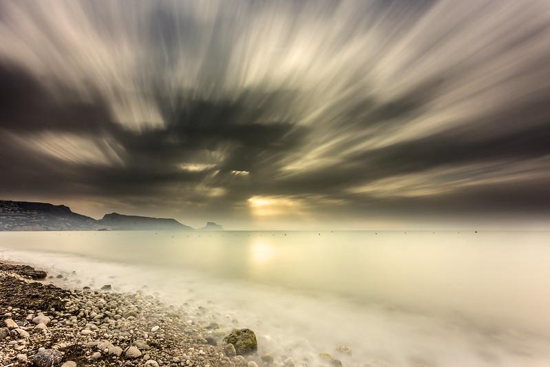 Fuga de nubes al amanecer
