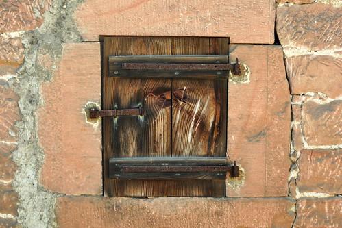 Sandstein Buntsandstein Odenwald Fensterladen Holz