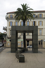 Abribus de Philippe Starck, Nîmes, 2016