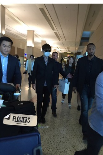 Big Bang - Las Vegas Airport - 30sep2015 - Flower - 09