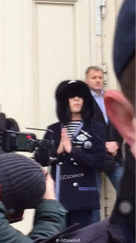 G-Dragon Chanel Haute Coutoure at Grand Palais Paris 2016-01-26 cr on pic (22)