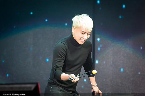 BIGBANG FM Shenzhen HQs 2016-03-13 (10)