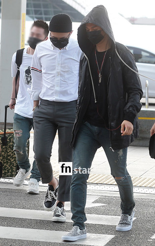 BIGBANG Incheon Airport to Shanghai Press 2015-06-19 042