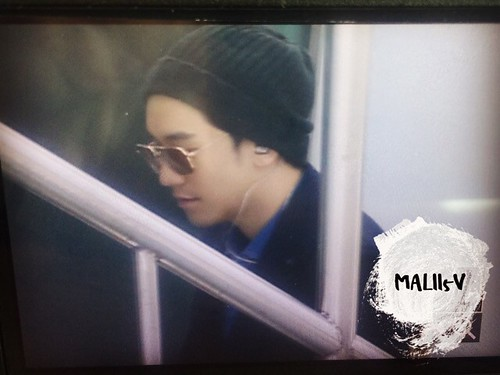 Big Bang - Fuzhou Airport - 29mar2015 - Seung Ri - MALII5V - 01