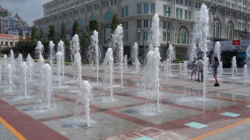 nguyen hue fontaine