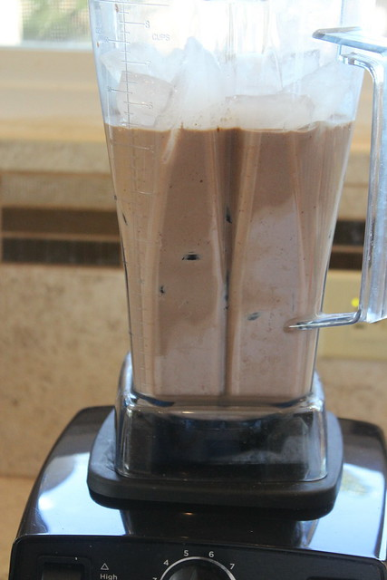 Add ice & blend again on high until smooth.