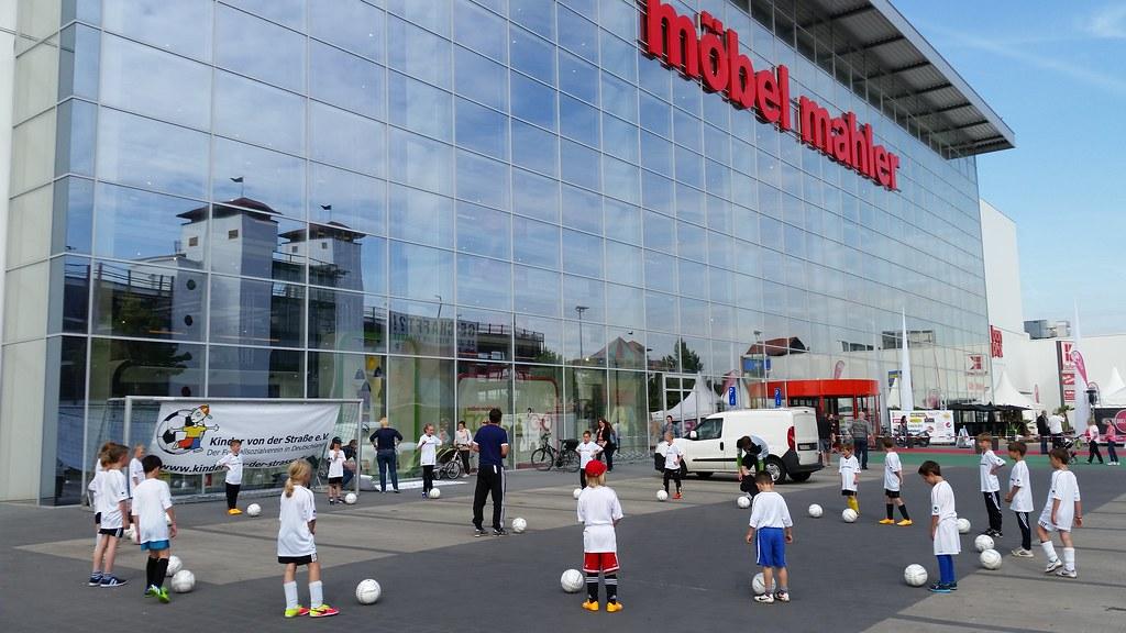 Fußballtage sponsored by Möbel Mahler | AKTION FUSSBALLTAG e.V.