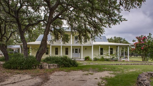 1606 Oakridge Ln Pipe Creek TX-large-098-87-Front-1500x844-72dpi (1024x576) (1024x576)