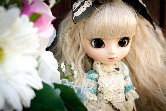 Alice is Romantic