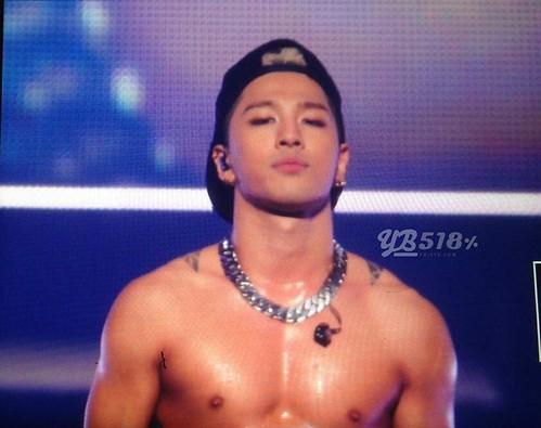 Taeyang-RISEtour-Osaka-Day1-20140903(15)