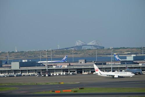 Haneda Tokyo International Airport 02 Tokyo Gate bridge
