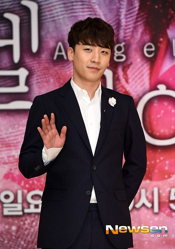 seungri_angel_eyes_press_conference_140403_011