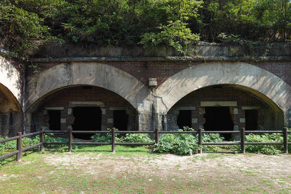 レンガ造りの毒ガス貯蔵庫