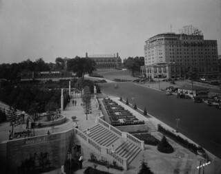 Hotel General Brock and gardens / Hôtel General Brock et jardins environnants