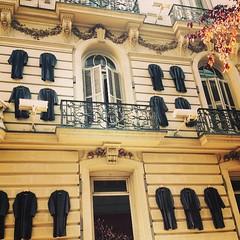 Fachadas madrileñas #hangingrobes #madrid