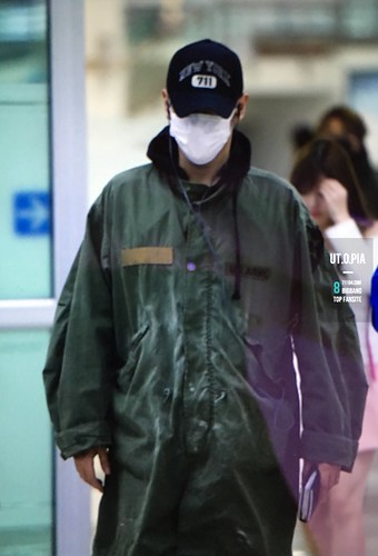 BIGBANG (wout Seungri) arrival Seoul Gimpo from Beijing 2016-01-02 (36)
