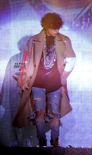 GD-guestappearance-Taeyang-RISE-Seoul-20141012_16
