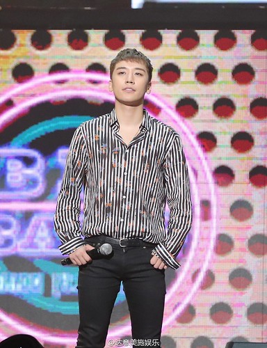 BIGBANG FM Beijing Day 2 2016-07-16 Seungri (10)