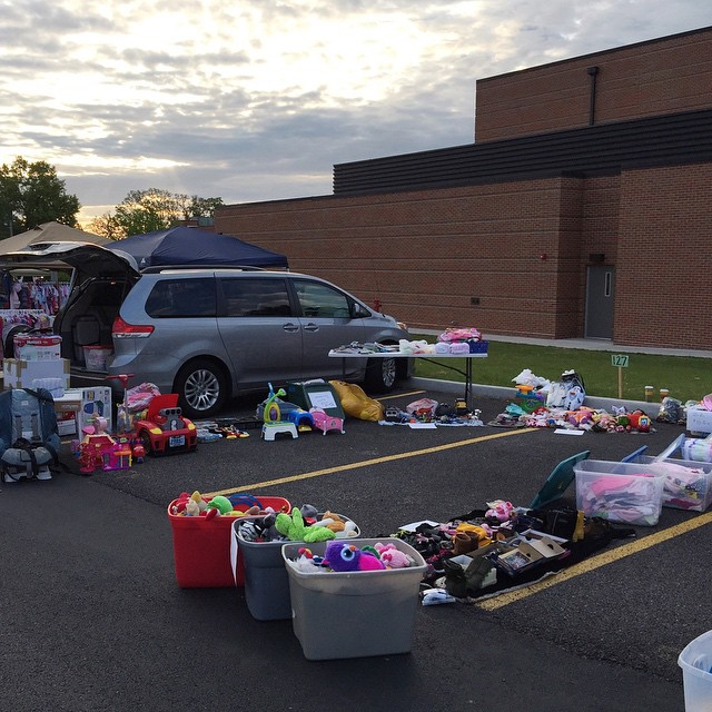 Well, we got to our space at 5:30 a.m. check-in for the Baby Mania sale and sold over $300 worth of stuff!! 👏👏👏 it doesn't look like a lot of stuff here, but it was one SUV and another car full of stuff! I  know the presentation kinda sucks