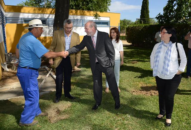 """AionSur 17202611140_284503c39b_z_d Vilallobos en su visita a Marchena destaca su """"ritmo inversor"""" Marchena Provincia"""
