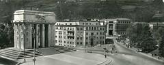 bolzano - postcard - monumento vittoria - 1956