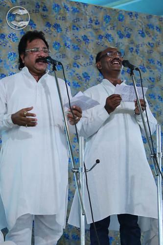 Devotional song by Arora Bandhu from Faridabad, Haryana