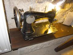 art(0.0), wheel(0.0), sewing machine(1.0), iron(1.0),