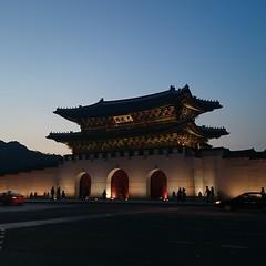 경복궁의 정문 광화문(景福宮の正門、光化門. 景福宮的正門,光化門. 景福宮的正门、光化门) Gwanghwamun, the main gate of gyeongbokgung palace.