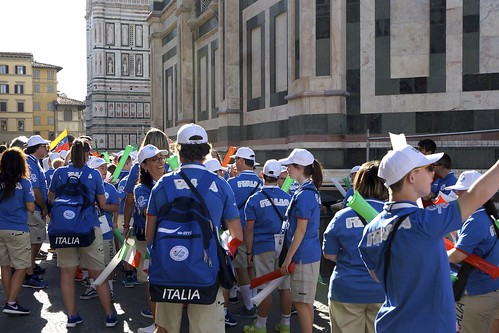 16-07-16: DELEGATIONS WAITING FOR THE PARADE