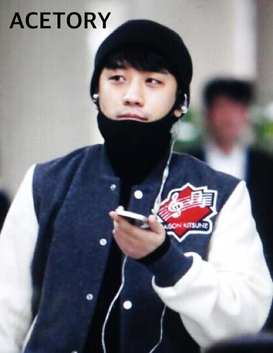 Big Bang - Gimpo Airport - 27feb2015 - Seung Ri - Acetory - 03