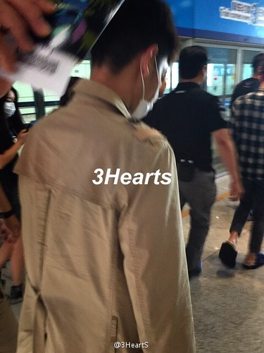 Big Bang - Beijing Airport - 07jun2015 - suckmy - 02