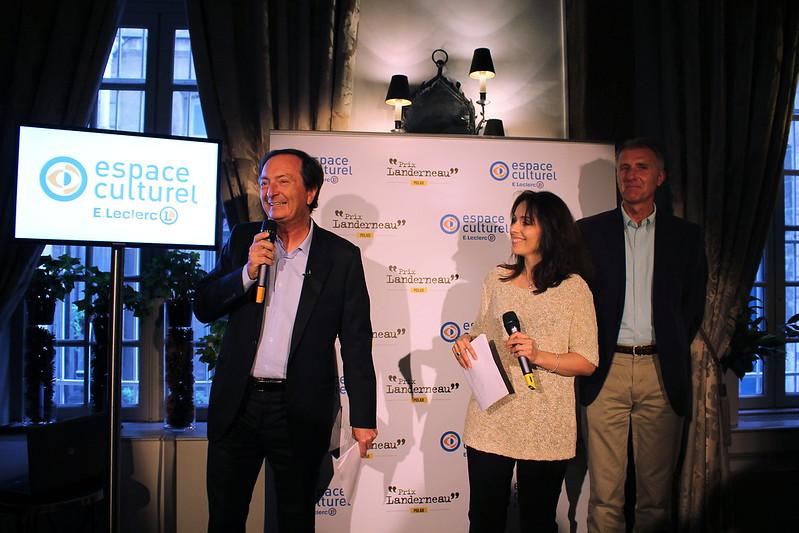 Michel-Édouard Leclerc, Karine Papillaud, Paul Colize - Prix Landerneau Polar 2015, remis à Fred Vargas