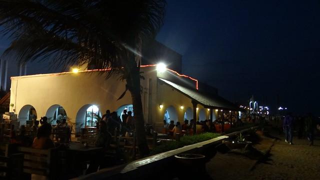Le Cafe, Promenade