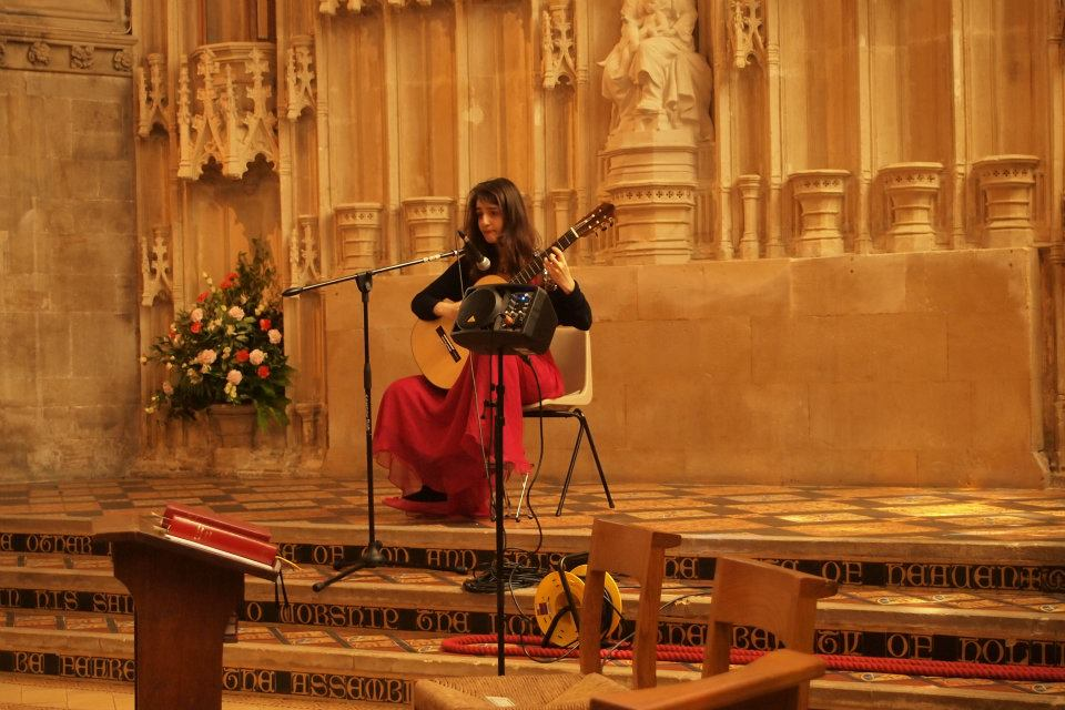 Play a lunchtime classical guitar concert
