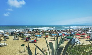Plage Martil görüntü. tetouan tetuan cabonegro plage beach aloevera aloe vera cabo negro sand sable sky ciel sun soleil parasol mer sea