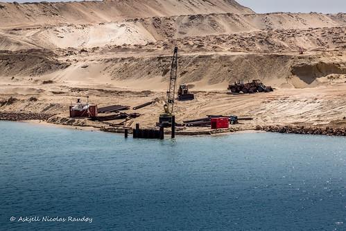 crane egypt maritime ships suez suezcanal canal transit askjell