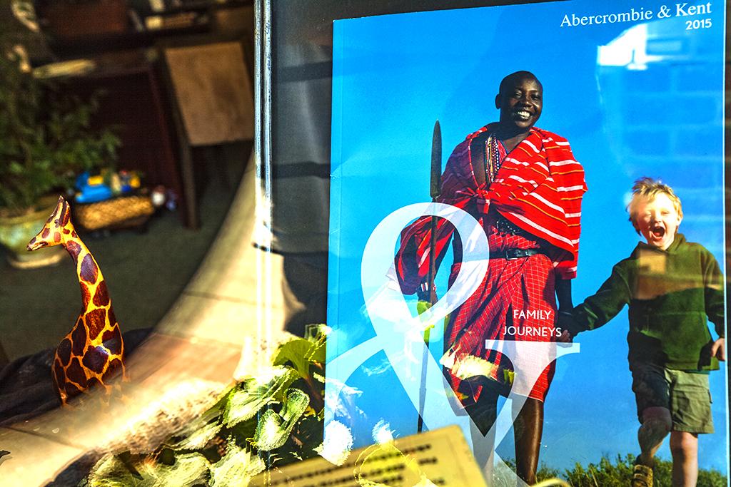 Travel-catalog-in-window--Los-Gatos
