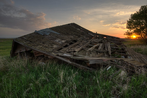 travel sunset vacation barn rural nikon unitedstates urbandecay urbanexploration northdakota d750 mandan hdr ruraldecay urbex 1635mm photomatix