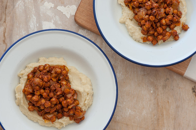 Spiced Chickpeas with Cauli Mash-3