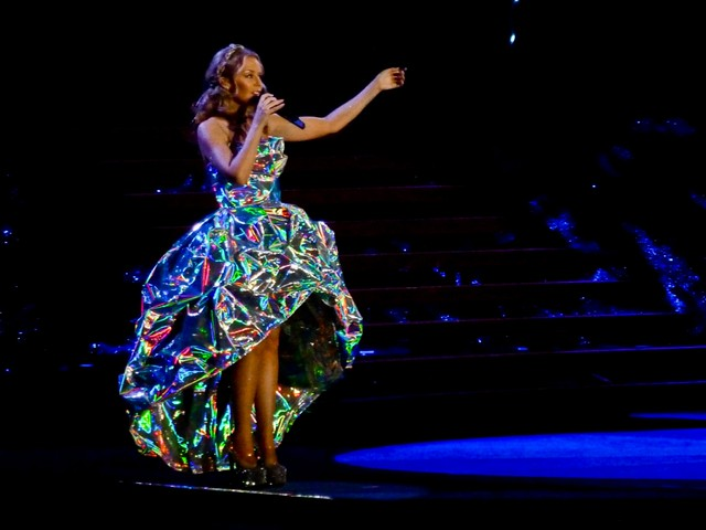 Kylie Minogue - Aphrodite - Les Folies Tour 2011 - Bercy, Paris (2011)