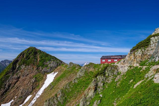 唐松岳頂上山荘と牛首