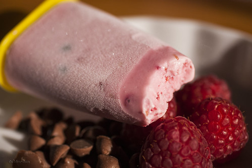 Raspberry Greek yoghurt popsicles